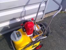 ARTILOC: Location de pulvérisateur thermique pour l'entretien des toitures