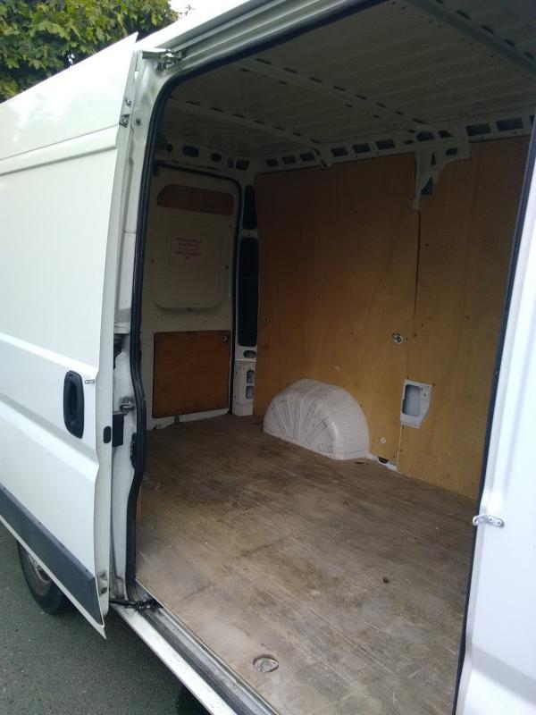 ARTILOC: Camion fourgon avec habillage bois 8m3
